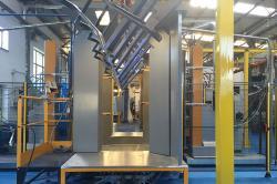 Verniciatura completamente automatizzata (cabina GEMA) | Verniciatura Ruaro